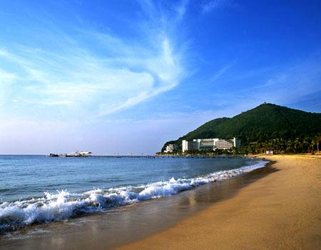 三亚亚龙湾高尔夫俱乐部中国最南端的具有热带风情的国际标准滨海地